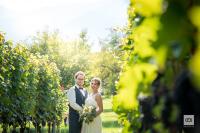 Die bilderbuchhafte Corona-Hochzeit von Marisa und Christoph
