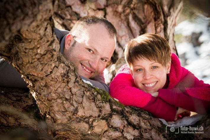 Mit Manuela und Reiner stapfte ich als Hochzeitsfotograf durch hüfthohe Schneeberge. Voller Einsatz für tolle Fotos.