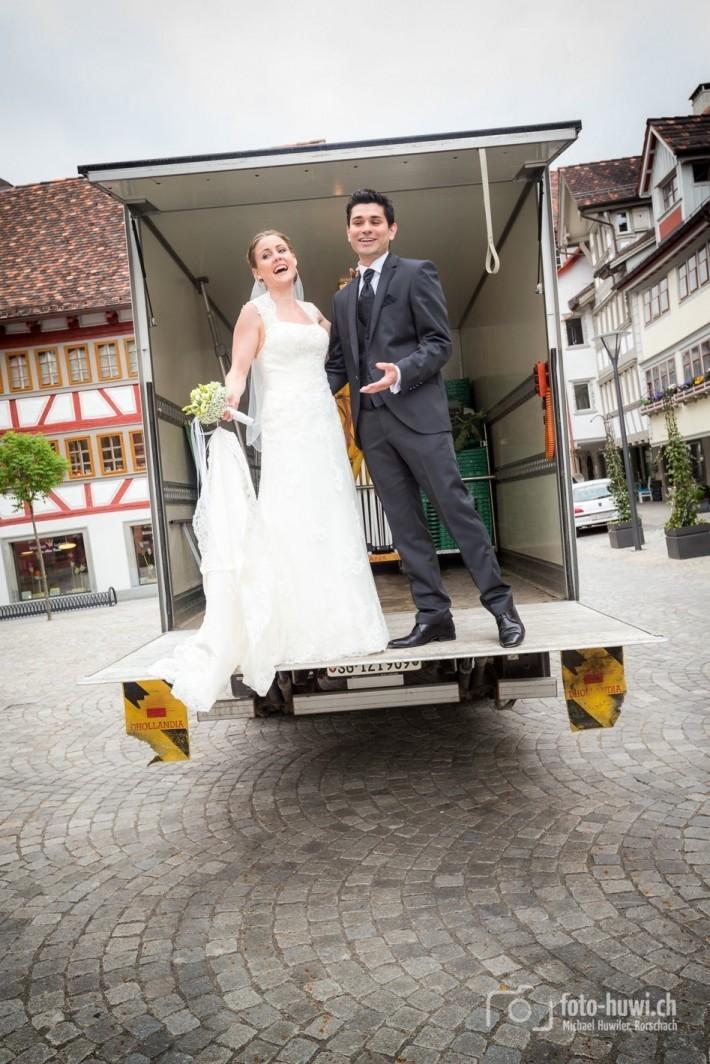 Spontan kaperten Conny und Este den Gemüsetransporter... ;-)