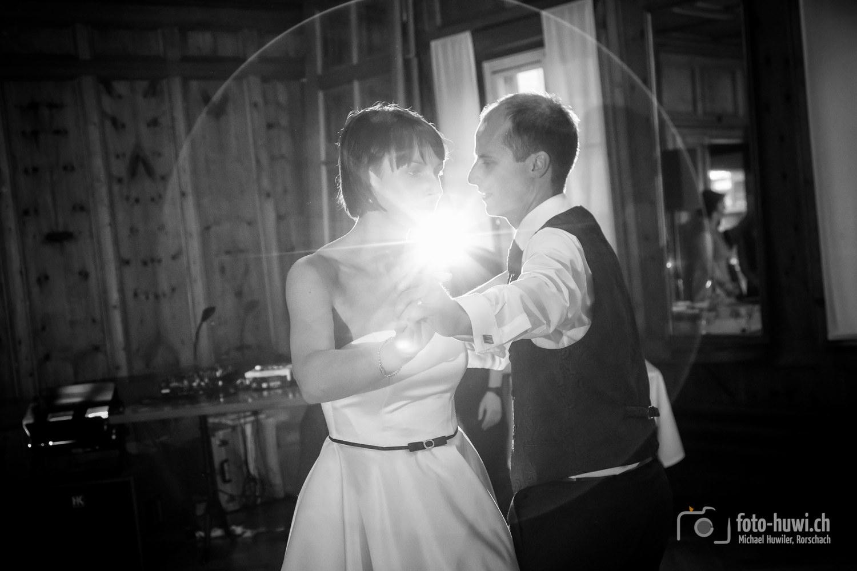 Als Tanzfüdle bekannt, verzauberten die Beiden beim Hochzeitstanz die Gäste.