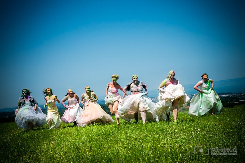 108-holi-trash-the-dress