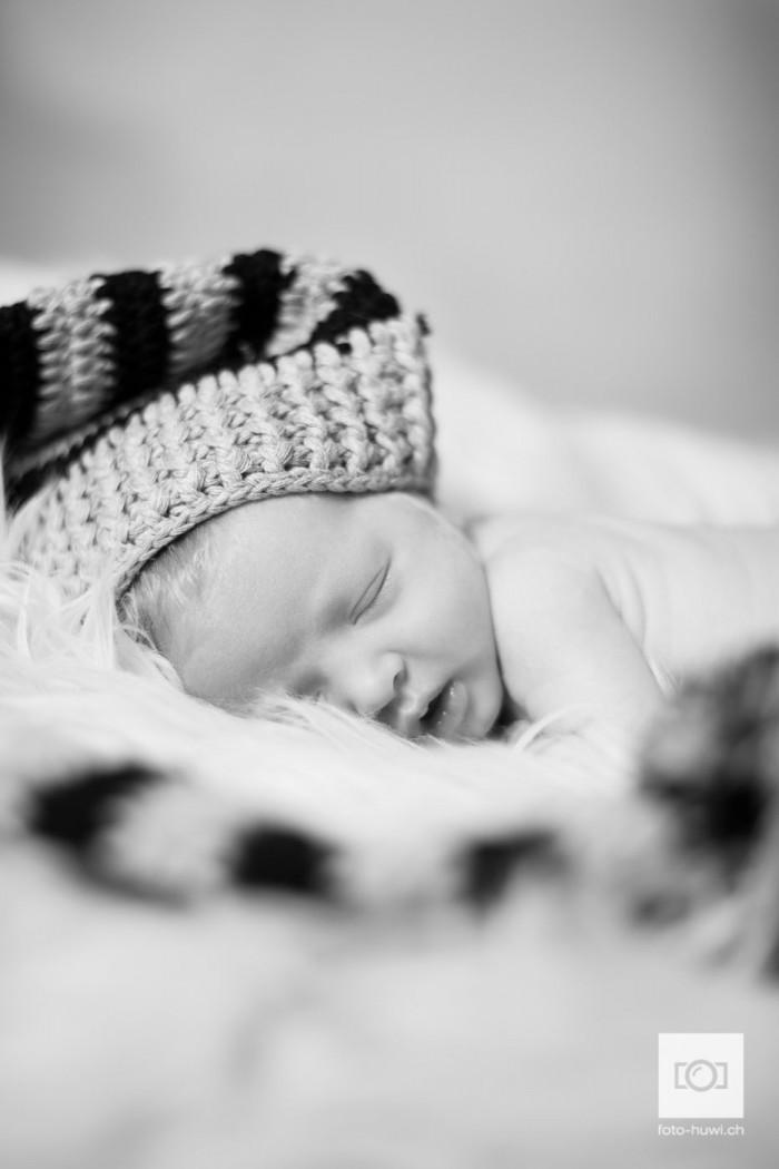 041-newborn-sarah-felipe